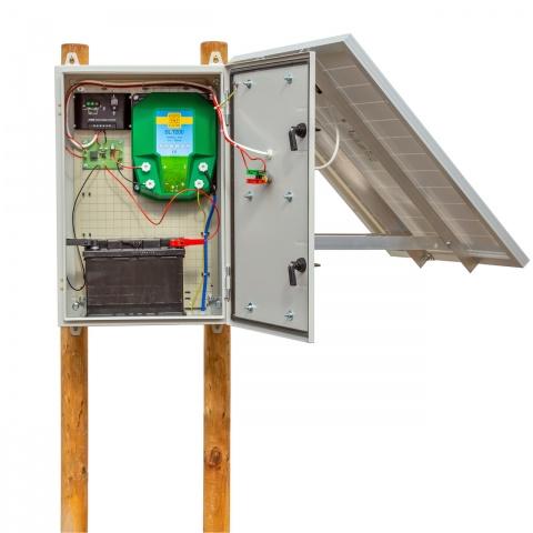 Aparat gard electric compact DL7200 cu sistem solar 30W și două acumulatorare de 12V